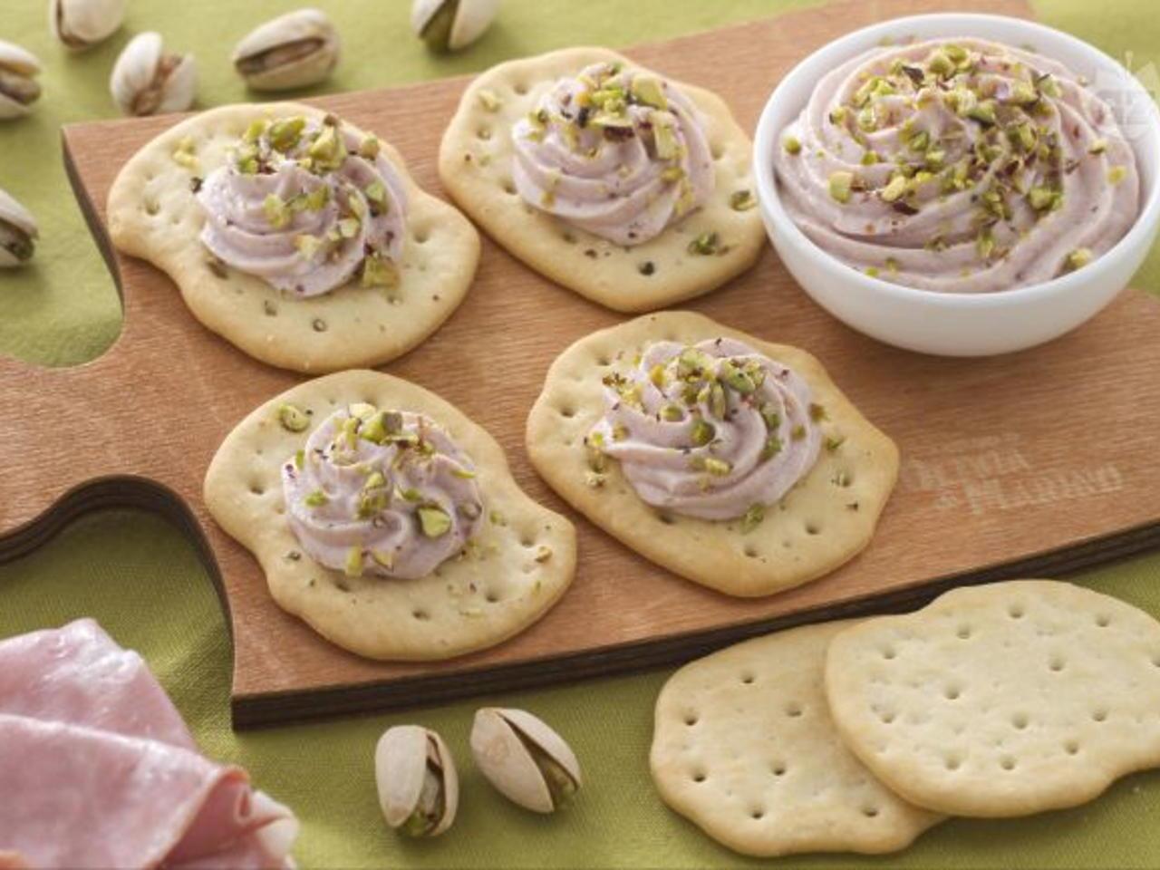 ricetta schiacciate con granella di pistacchi