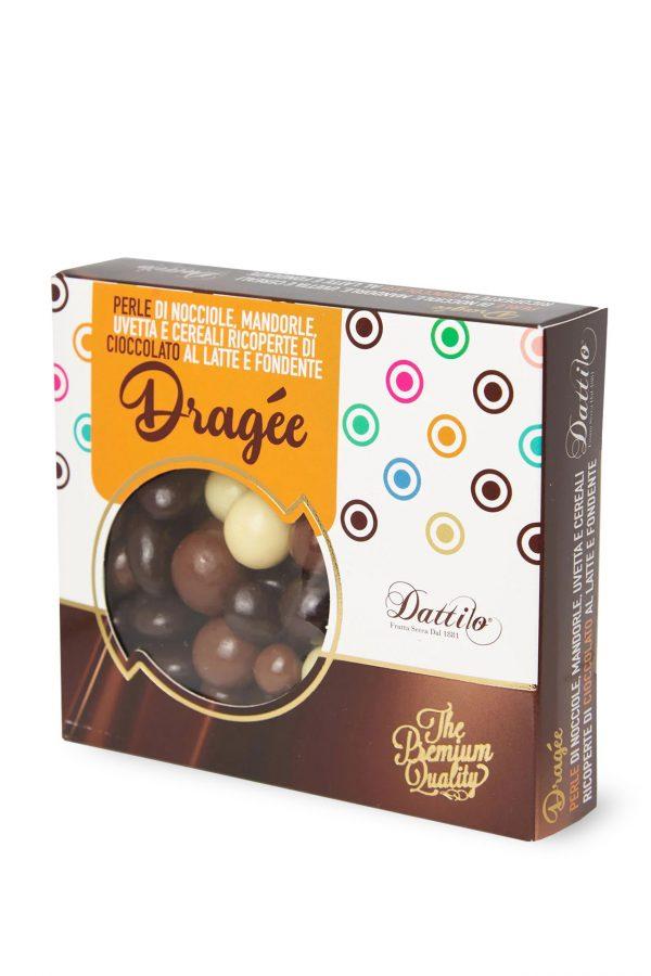 Dragée di frutta secca e cereali ricoperti di cioccolato
